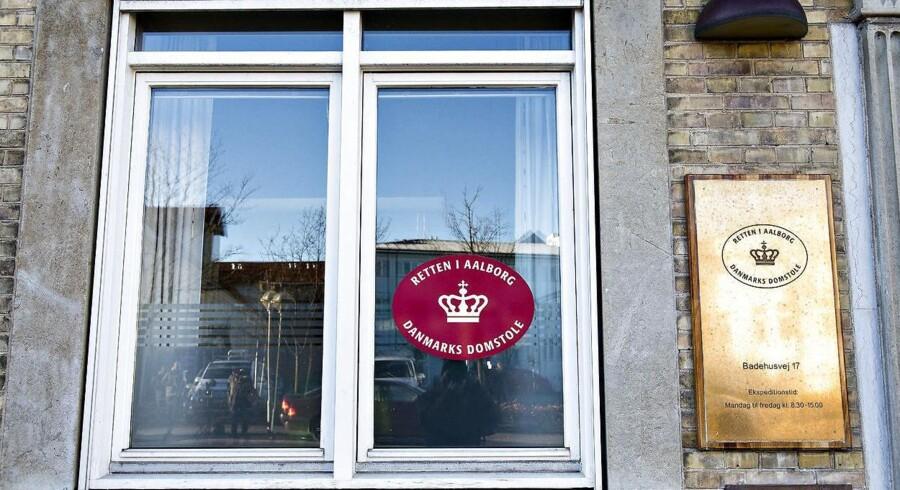 Den konkursramte ejendomsinvestor og tobaksarving Niels Færch vil i en kommende retssag erkende sig skyldig i at have snydt det offentlige for millioner.