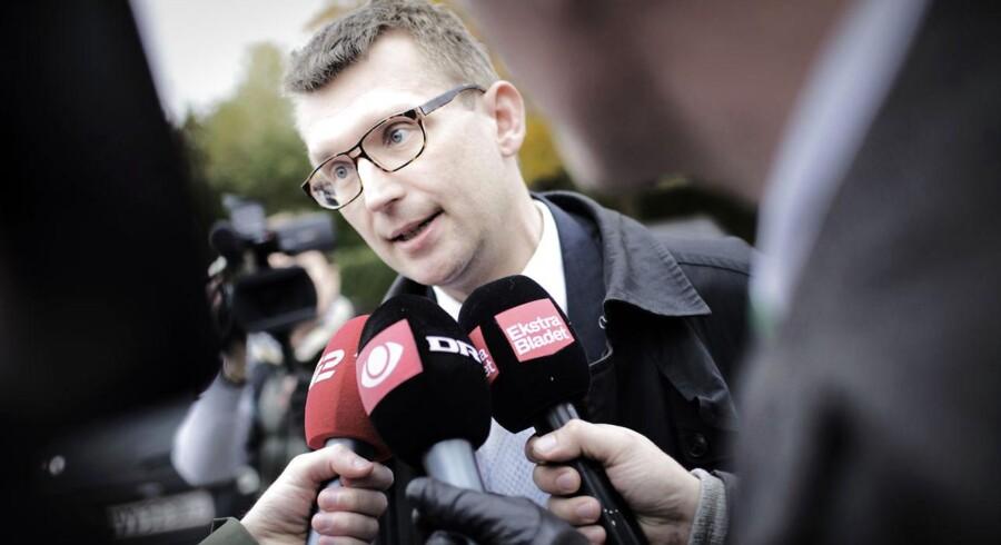 En ny risikovurdering fra Forsvarets Efterretningstjeneste dokumenterer behovet for at få gennemanalyseret trusselsbilledet mod Danmark, mener Venstres forsvarsordfører, Troels Lund Poulsen.