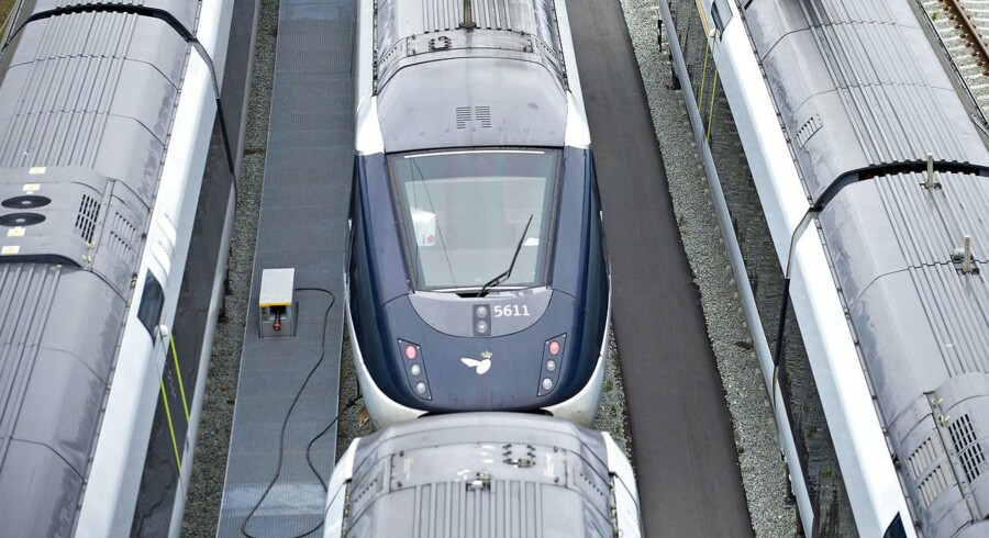 Det forventes, at der kan spares 50 millioner kroner i 2017 stigende til 125 millioner kroner fra 2020 og frem på drift og vedligeholdelse på de statslige jernbaner og Banedanmarks opgaveløsning på området, lyder det i finanslovforslaget. (Arkivoto: CLAUS FISKER/Scanpix 2013)