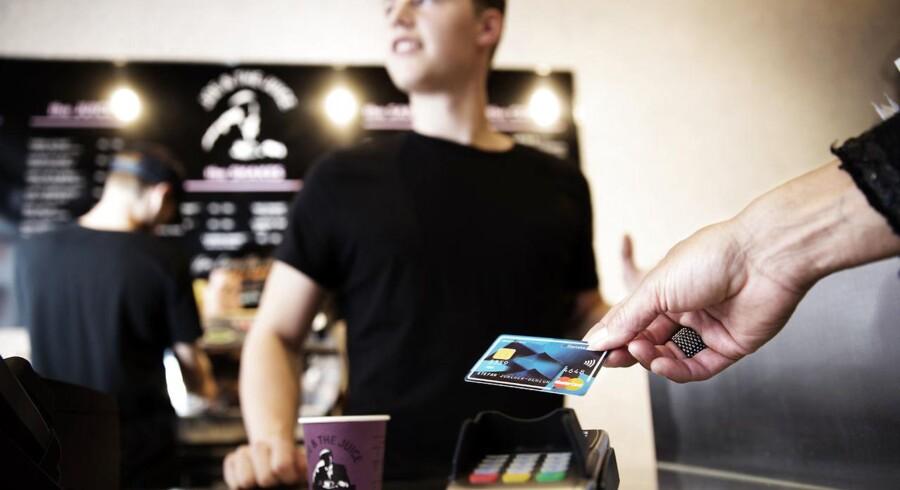 """Point vil i samarbejde med Joe & The Juice vise, hvordan en kontaktløs betaling fungerer i det """"virkelige"""" liv"""