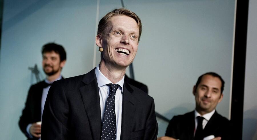 En glad Henrik Poulsen, admin. direktør i DONG da selskabet børsnoteres torsdag d. 9 juni 2016 i selskabets hovedsæde i Gentofte. (Foto: Liselotte Sabroe/Scanpix 2016)