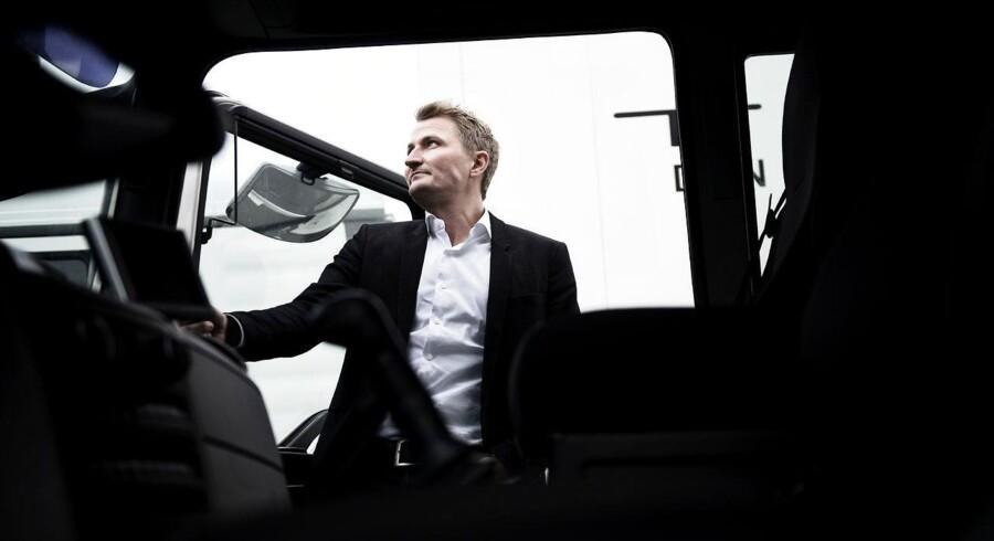 Peter Laursen, der er direktør for Dekra, som uddanner chauffører, lover job til alle, der vil tage en chaufføruddannelse: »Man kan rent faktisk godt sige nej til at gå på arbejde. Det er der nogle politikere, der kan tænke lidt over,« siger han. Foto: Mathias Løvgreen Bojesen