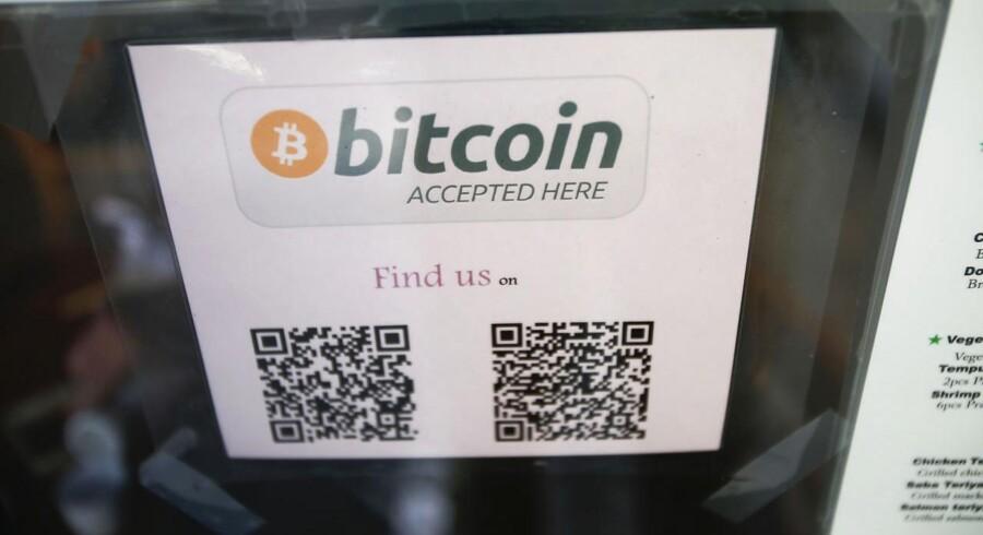 Man kan nogle steder - som her på en restaurant i San Francisco i USA - betale med bitcoins. Arkivfoto: Stephen Lam, Reuters/Scanpix