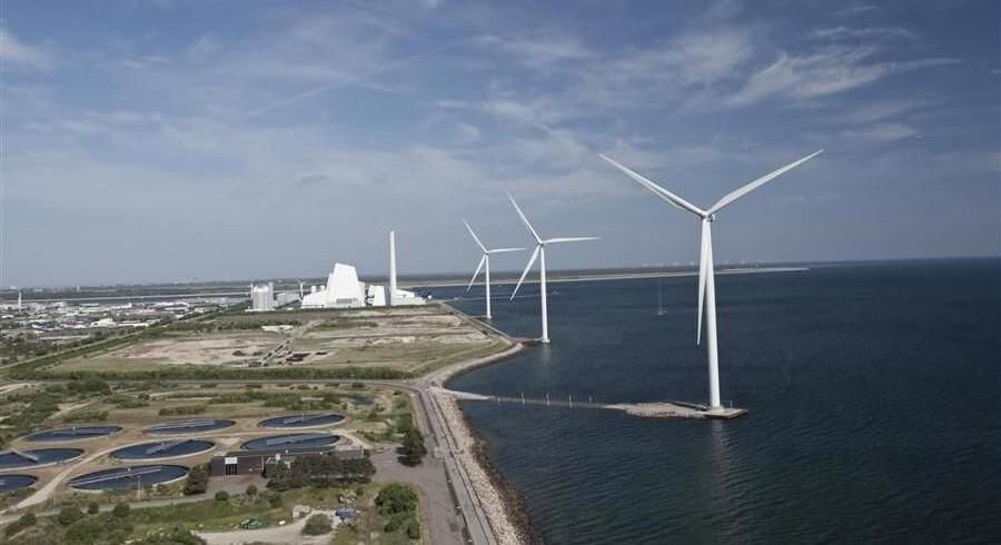 Dong Energy har fået grønt lys til at opføre en stor havvindmøllepark i Storbritannien.