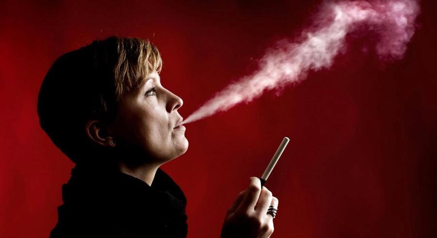 Modelfoto: Test af e-cigaretter.