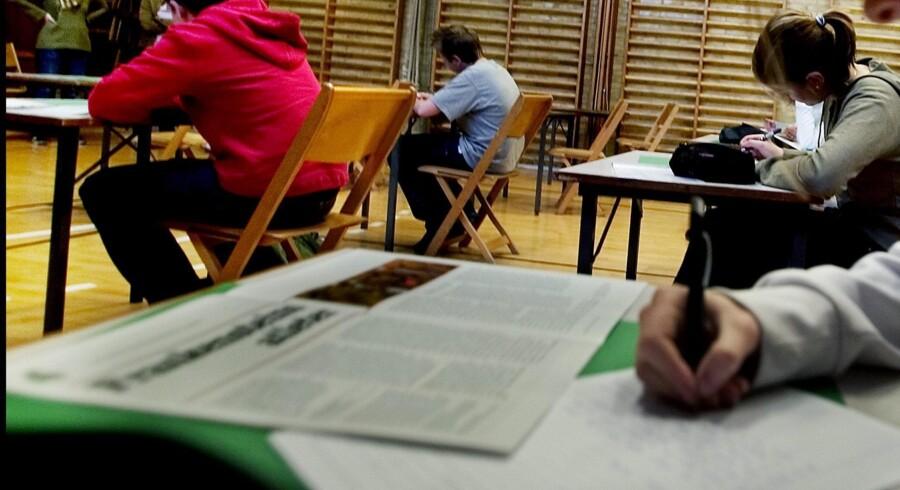 Hvad gør man egentlig, hvis det ikke er en elev, men derimod en lærer, der mistænkes for eksamenssnyd?