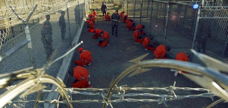 Efter 11. september 2001 havde USA brug for nye måder at indhente efterretninger på, og det førte til accept fra regeringens side af, at man brugte langt mere hårdhændede afhøringsmetoder end hidtil. Disse metoder blev udarbejdet af psykologen James Mitchell, og blev bl.a. brugt i Guantanamo-fangelejren (billedet) og i Abu Ghraib-fængslet i Irak.