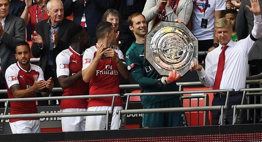Arsenal-manager Arsène Wenger skaffede klubben et trofæ, da Arsenal besejrede Chelsea i Community Shield søndag. Reuters/Hannah Mckay