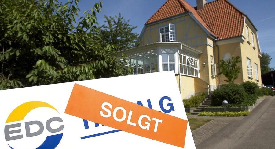 Torsdag: Boligopsvinget breder sig til det meste af landet. Der er for alvor kommet gang i boligmarkedet igen. Priserne på huse og ejerlejligheder er højere end for et år siden i alle regioner, viser boligmarkedsstatistikken der blev offentliggjort torsdag morgen.