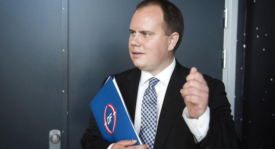 Når man kan se, at en midlertidig grænsekontrol har haft en effekt, så kan man snildt indføre en permanent grænsekontrol. Det mener Dansk Folkepartis udlændinge- og integrationsordfører, Martin Henriksen.