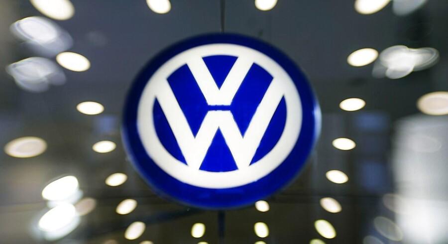 Volkswagen Danmark afventer information fra producenter efter mulig fejl i særlige modeller. Det skriver TV2, der citerer et finsk bilmagasin. Reuters/Axel Schmidt/arkiv