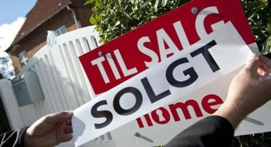 Udbudspriserne stiger fortsat for parcel- og rækkehuse, viser tal fra Realkreditrådet.