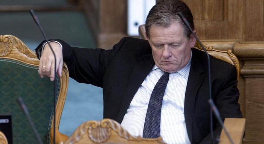 Lars Barfoed fra De Konservative, får sig en blunder under åbningsdebatten.