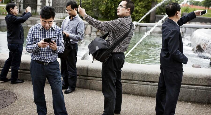 """Kineserne rejser mere og mere, og ifølge Erhvervs- og Vækstministeriet har """"kineserne et stort forbrug, når de rejser, sammenlignet med andre nationaliteter"""". Derfor skal der flere til landet."""