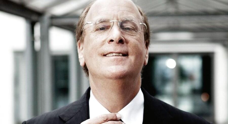 Larry Fink, adm. direktør hos BlackRock, skal måske snart indstille sig på at overgive titlen som verdens største kapitalforvalter til konkurrenten Vanguard.