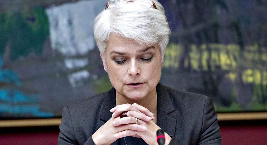 Tidligere formand for SF Annette Vilhelmsen er blevet smidt ud af partiets landsledelse, fordi hun udeblev fra tre møder i ledelsen.