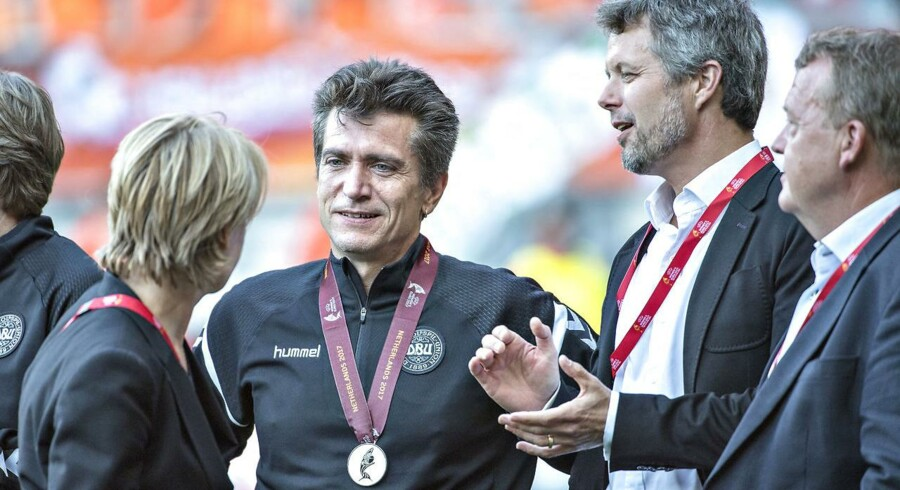 EM finale i Kvindefodbold, Holland vs. Danmark. Træner Nils Nielsen, kronprins Frederik og Lars Løkke.. (Foto: Jens Nørgaard Larsen/Scanpix 2017)