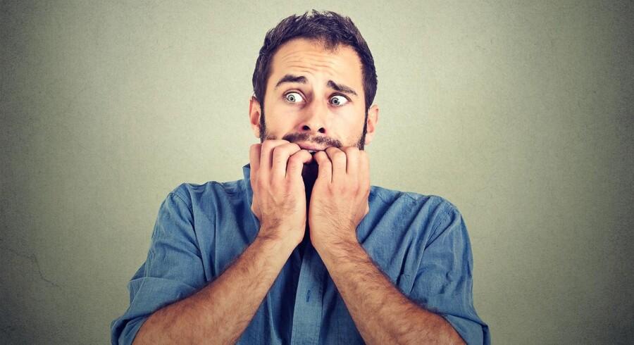 Stockfoto: De tiltrådte stier er dine vaner, og nogle er dem er måske dårlige vaner som at bide negle, ryge, komme for sent eller spise for meget til aftensmaden. De tilgroede stier er vaner, du måske ikke bruger så tit, men som kan være sunde alternativer til de dårlige vaner.