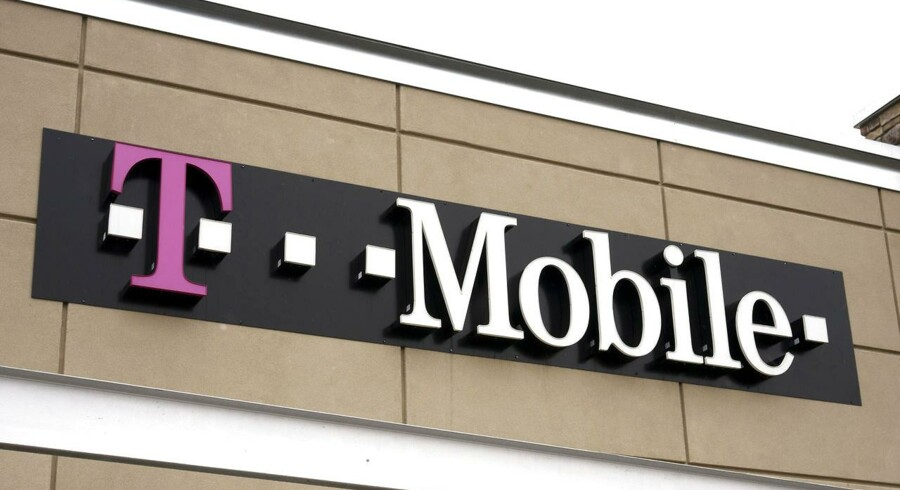 Det tyskejede T-Mobile er USAs fjerdestørste teleselskab og kan snart indgå i en fusion med det tredjestørste, Sprint, der er japanskejet. Foto: Rick Wilking, Reuters/Scanpix