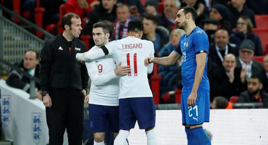Lewis Cook erstattede Jesse Lingard i det 71. minut i tirsdagens testkamp mellem England og Italien. Reuters/David Klein