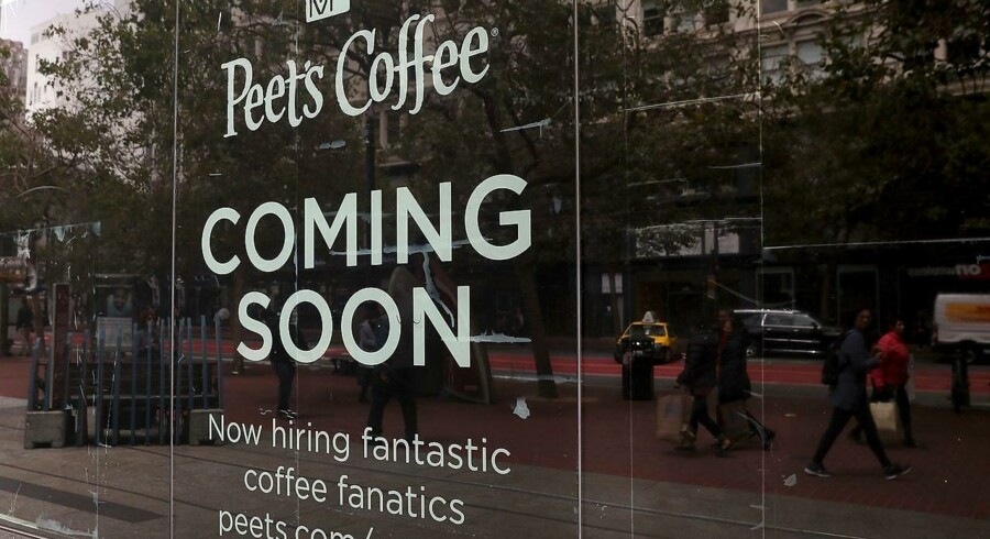 SAN FRANCISCO, CA - JULY 08: A 'now hiring' sign is posted outside of Peet's Coffee that is set to open on July 8, 2016 in San Francisco, California. According to the the U.S. Labor Department, employment growth surged with 287, 000 added jobs in June. The unemployment rate inched up to 4.9% from 4.7% with an estimated 400, 000 people returning to the workforce, many who had given up on job searches. Justin Sullivan/Getty Images/AFP == FOR NEWSPAPERS, INTERNET, TELCOS & TELEVISION USE ONLY ==
