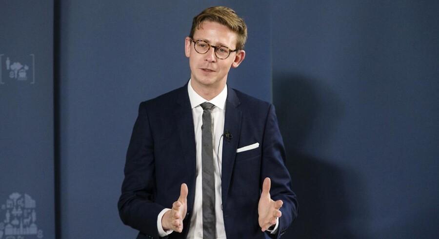 Skatteminister Karsten Lauritzen (V) præsenterede onsdag regeringens længe ventede udspil til fremtidens boligskatter. Onsdag den 5. oktober 2016.
