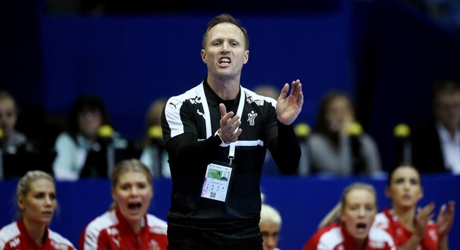 Landstræner Klavs Bruun Jørgensen kunne godt tænke sig at bijobbe i en dansk klub. Arkivfoto. Scanpix/Liselotte Sabroe