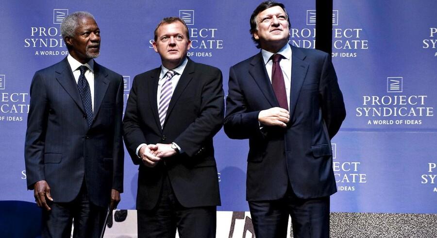 ARKIVFOTO 2009. Kofi Annan med den danske statsminister Lars løkke Rasmussen og Jose Manuel Barrosso.