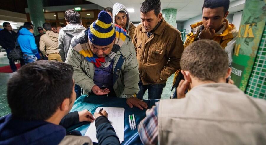 Svergie anslår, at der kommer op mod 190.000 asylansøgere til Sverige i 2015