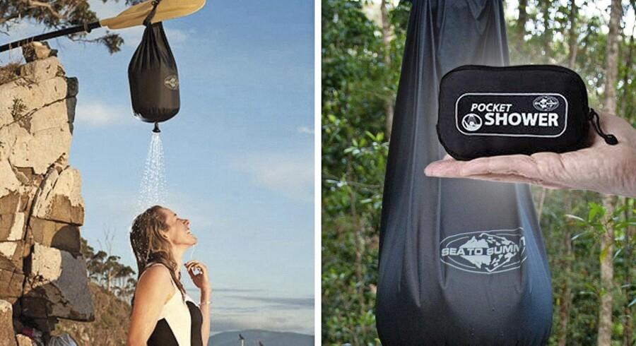 Brusebad to go. Fyld posen med op til 10 liter vand, og lad det varme op af solen. Hæng posen i et træ, og så er der til otte minutters brus. Pocket Shower fra Coolstuff.dk, 199 kr.
