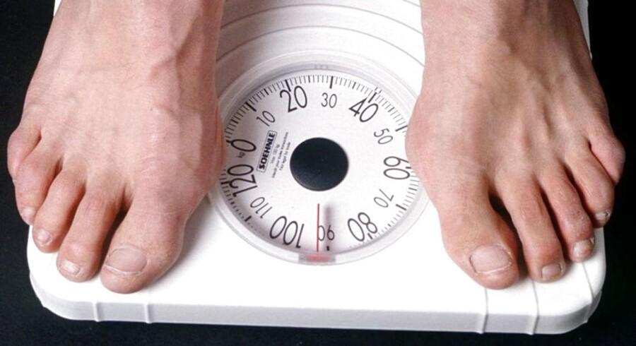 ARKIVFOTO. Når det kommer til kiloene på kroppen, burde vi gå efter andre mål end netop, hvad badevægten siger.