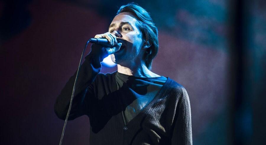 Jonas Bjerre fra Mew - sang duet med fans fra 65 lande på Night Believer.