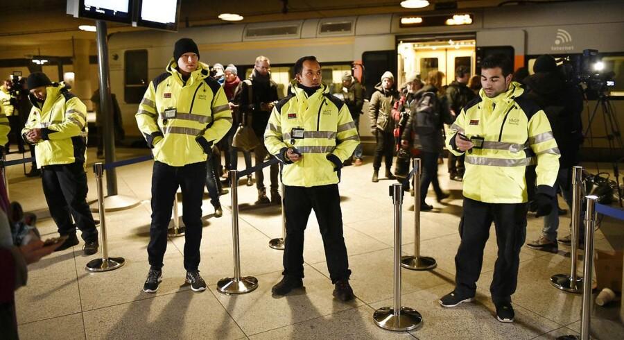 Allerede mandag morgen var der begyndende kaos i Københavns Lufthavn, hvor de svenske planer om ID-kontrol trådte i kraft ved midnatstid.