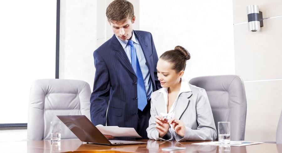 Det kan være svært at forhandle om løn. Kenneth Carstensen anbefaler, at du er meget konkret og på forhånd skriver en liste med eksempler på jobpræstationer, som du kan sende til din chef inden samtalen. Foto: Iris