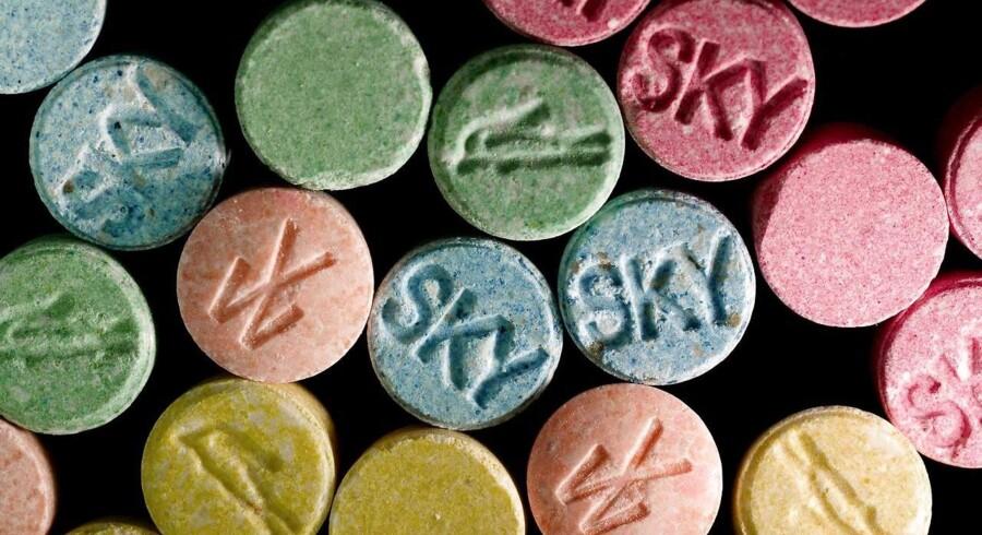 To piger på 15 og 16 år er lørdag morgen blevet indlagt på intensiv afdeling på sygehuset i Esbjerg efter formentlig at have indtaget stoffet MDMA eller et lignende stof.