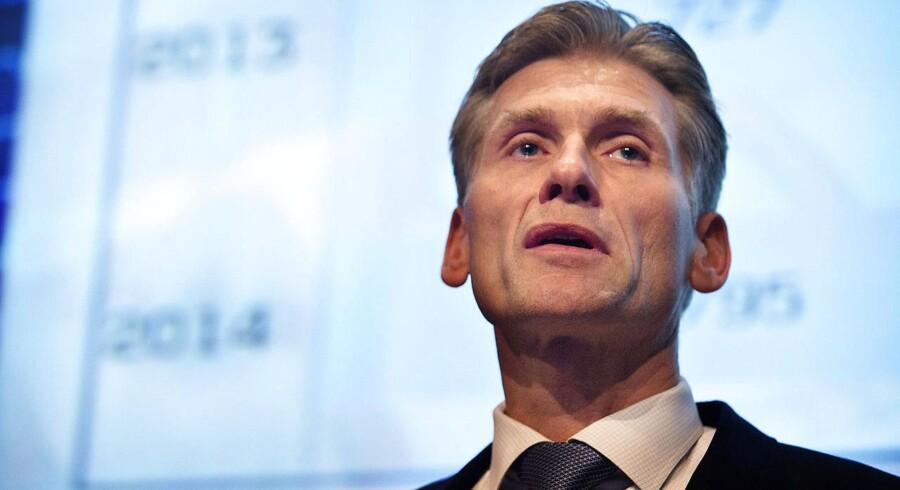 Det, Nationalbanken gør, er rigtigt, for de responderer på den interesse, der er for danske kroner, og man stiller klokkeklart op, at der ikke skal sættes nogen spørgsmålstegn ved den danske krones paritet over for euroen, fastslår Thomas Borgen