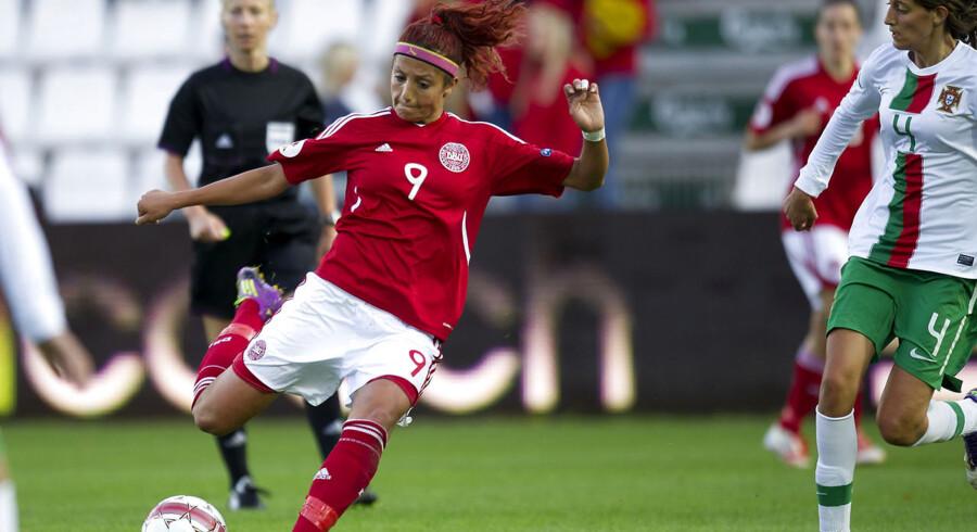 Nadia Nadim mener ikke DBU har gjort nok for kvindefodbold.