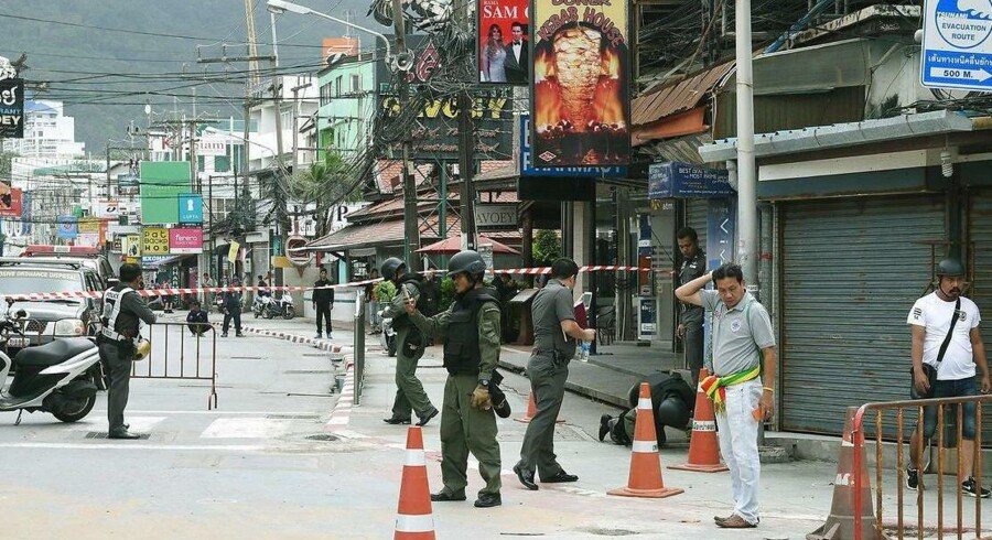 Torsdag og fredag eksploderede flere bomber forskellige steder i Thailand. Fire er dræbt og flere er sårede, herunder også udenlandske turister.