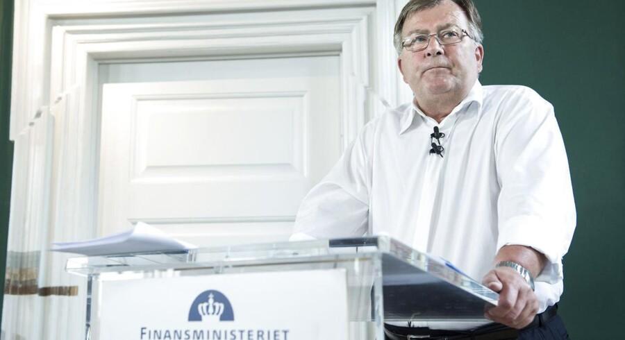 Regeringen med finansminister Claus Hjort Frederiksen fremlægger sit finanslovudspil tirsdag kl. 11, hvor der bliver lagt op til besparelser for 6,7 milliarder kroner.