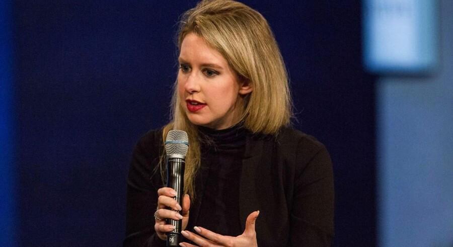 Elizabeth Holmes bliver kaldt den næste Steve Jobs blandt andet på grund af den sorte rullekravetrøje, som begge ofte var ilkædt.