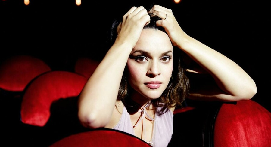 Norah Jones nye plade »Day Breaks« udgives på Blue Note Records/Universal Music.