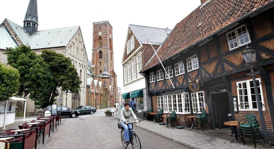 Ribe bymidte med domkirken i baggrunden danner i weekenden de festlige rammer om fejringen af dronning Dagmar - kong Valdemar Sejrs hustru, der døde i barselsseng for 800 år siden.