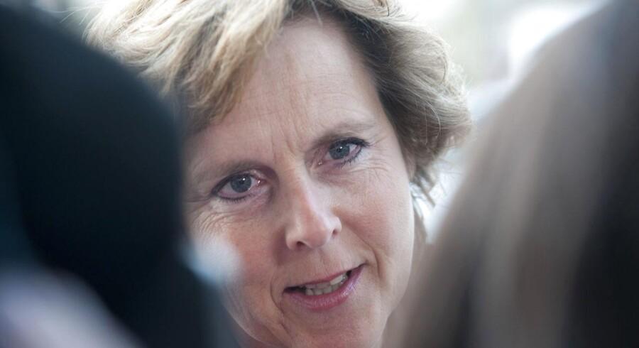 Kulturminister Marianne Jelved (R) har udnævnt fhv. EU-kommissær Connie Hedegaard som formand for public service-udvalget.