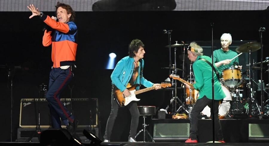 Det bliver en dyr fornøjelse at høre The Rolling Stones, når de besøger København. Arkivfoto fra koncert i Californien i oktober sidste år. AFP PHOTO / Mark RALSTON