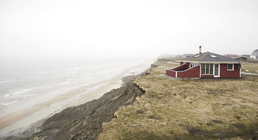 Anklagemyndigheden skal nu vurdere sag om beton på beskyttet kyststrækning.