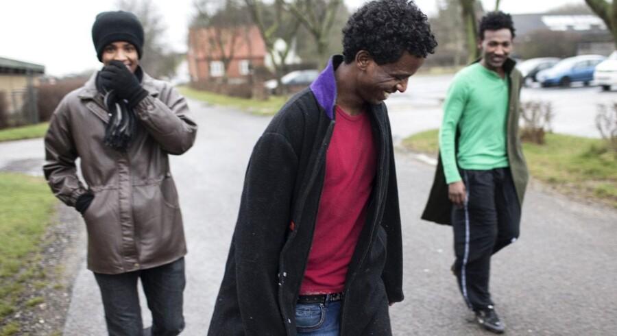 Arkivfoto: Fra venstre er det Ferah Mentay, 21, Mlue German, 23, og Daniel Eob, 24, på vej fra asylcentrets sportshal til det hus, hvor de alle tre bor. Reportage fra Asylcenter Sigerslev, hvor størstedelen af beboerne er fra Eritrea.