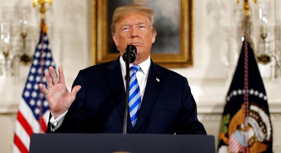 USAs præsident, Donald Trump, annoncerede tirsdag aften dansk tid, at USA trækker sig ud af atomaftalen med Iran. Det fik med det samme olieprisen til at stige til nye højder.