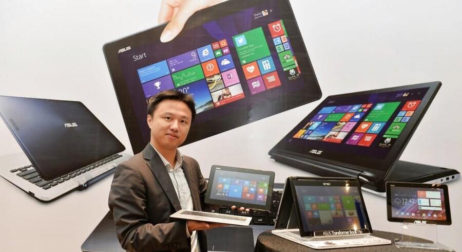 Tavle-PCer med Windows udgør endnu ikke meget af det samlede marked, hvor to af tre tavlecomputere i dag bruger Android-softwaren. Men det kan ændre sig, når den nye Windows 10 fra Microsoft kommer til næste år. Arkivfoto: Manjunath Kiran, AFP/Scanpix
