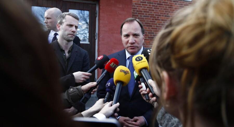Statsminister Stefan Löfven kommenterar hændelsen i Stockholm, da en lastbil kørte ind i en folkemasse.