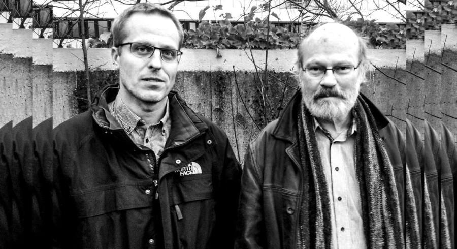 Embedsmændene Jan Olsen (tv.) og Jens Weise Olesen skal kunne komme videre på en god måde efter at være raget uklar med Udlændingestyrelsen, fastslår Magisterforeningen.